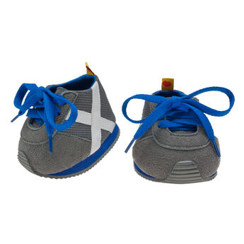 Help your furry friend train for its next marathon with these stylish Gray & Blue Athletic Shoes for Teddy Bears. These comfy shoes have white stripes and blue laces to help your furry friend zoom past the competition!
