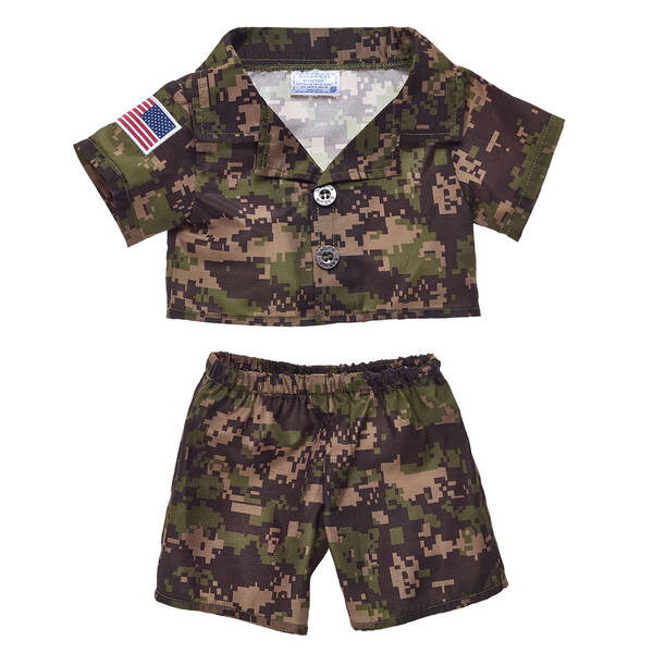 This teddy bear size green camouflage outfit features a USA flag patch and comes with a silver BABW ID tag on a chain. Don't let your friend get lost in the sandbox! A stuffed animal pal dressed up in this Green Digital Camo Outfit makes a great personalized gift.
