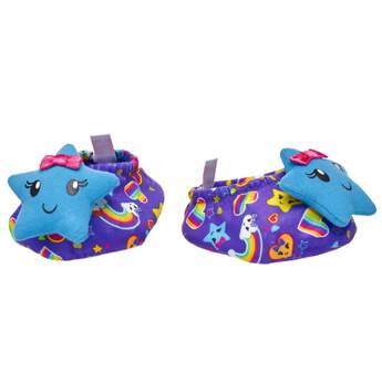 Drift off to a dreamland that's filled with nothing but rainbows, hearts and stars! Your furry friend will look adorable in these colorful stuffed animal slippers that feature an all-over rainbow and heart print with a blue smiley face star on the toe. Get ready to snuggle up and add some star power to your pajamas!