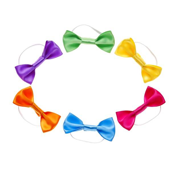 Add a pop of color to any furry friend's look with this six-piece rainbow bow set! With purple, green, yellow, orange, blue and pink bows all in one set, this versatile stuffed animal accessory pack has everything you need for some extra style. Add a wig to your furry friend's look for even more hair-stylin' fun!