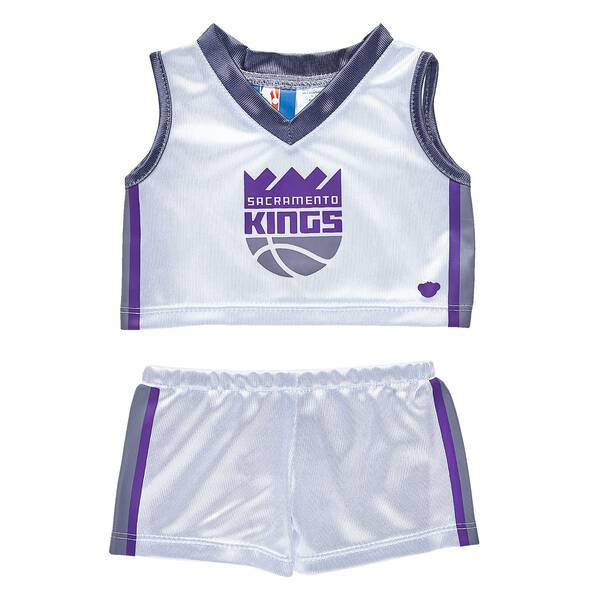 Slam dunk! This authentic Sacramento Kings NBA uniform includes a jersey and shorts and is the perfect size for your furry friend! NBA and NBA team identifications are the intellectual property of NBA Properties, Inc. and the respective NBA member teams. © 2015 NBA